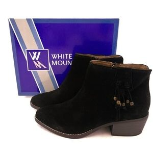 New White Mountain 9M Ankle Boots Black Suede